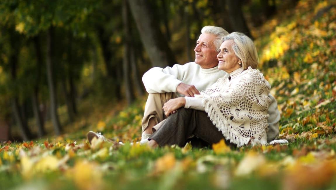 old-couple-main-slider-image-2.jpg